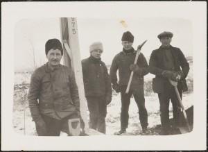 Gus Berglund, standing left